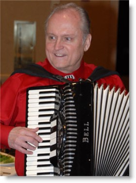 Squeeze This! A Cultural History of the Accordion in America
