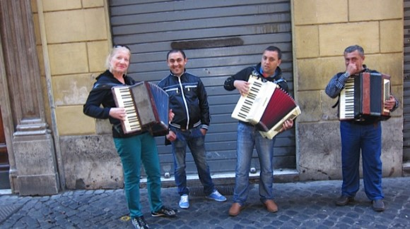 Rita and Romanian accordionists in Rome